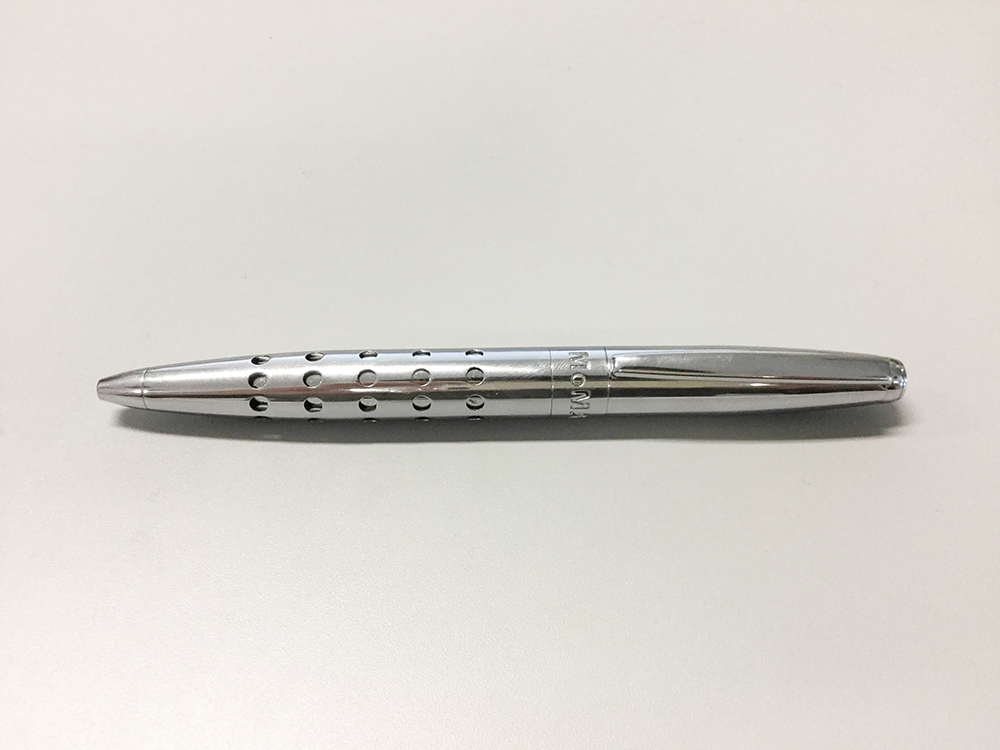 MoMA カラードットペン/書かない時
