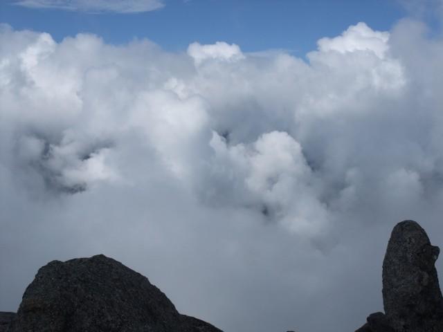 雲海というか、なんかもう雲がすごい。