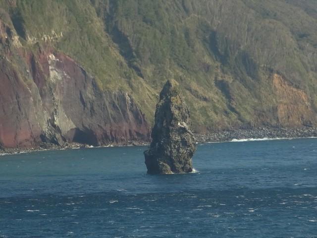 これは筆島。 湾の中に見事にそそり立っていました。