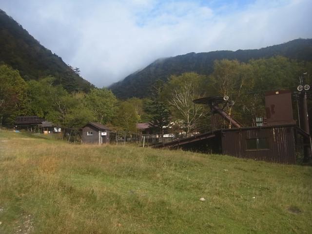 日光男体山に登った次の日は、日光白根山へ。 こちらも百名山の一つです。 スキー場のゲレンデを通ってアプローチ。