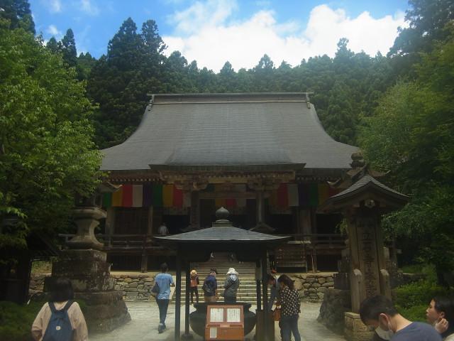 """今回は山じゃなくて、山寺(立石寺)。 山形県の有名なお寺です。 といっても、奥之院の標高は、海抜417m。 立派な""""山""""ですね。"""