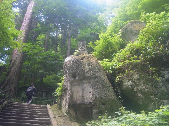 ほとんどが階段。 登山とは違って歩きやすい。
