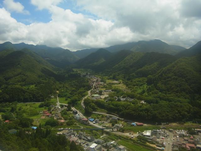 山頂というか、奥之院からの眺め。 なかなかの絶景でした。
