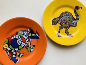 写真NGだったので、お気に入りの絵皿にある動物たちをお届けします。(フランスのアーティスト「ニキ・ド・サンファル」)